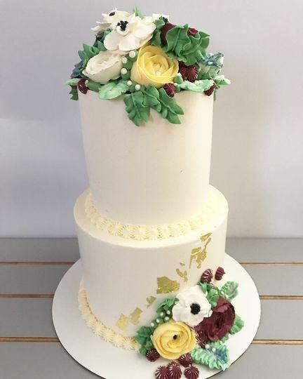 2-tier wedding cake with flowers