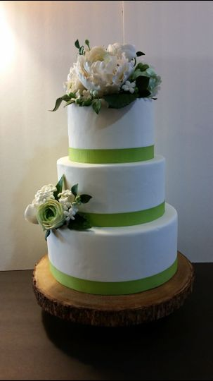 Three tier cake with green lining
