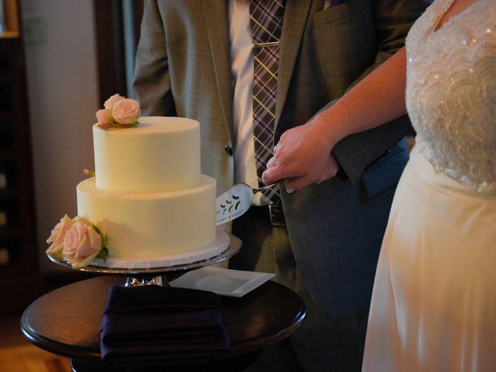 Tmx Gregandlindsay 273 51 959193 Windsor, CA wedding cake