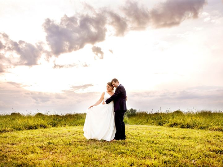 Tmx Sally And Chris Ext Previews0125 51 1021293 1559267051 Midlothian, Virginia wedding planner
