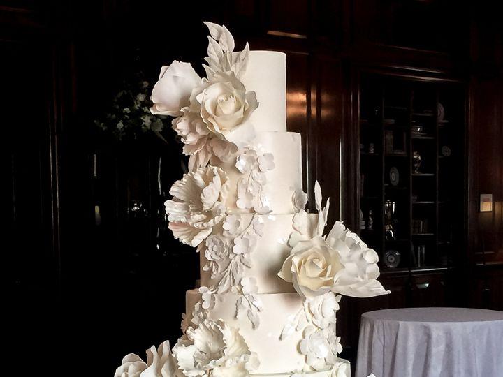 Tmx Sugarrealm Cincinnatweddingicakes Whiteweddingcakes 15 51 404293 1562161537 Haverford, PA wedding cake