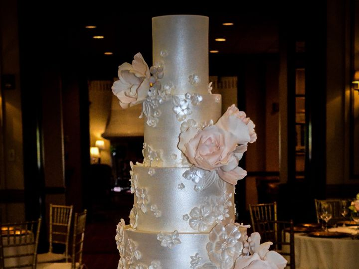Tmx Sugarrealm Florallaceweddingcake Cincinnatiweddingcakes 2 51 404293 1562162108 Haverford, PA wedding cake