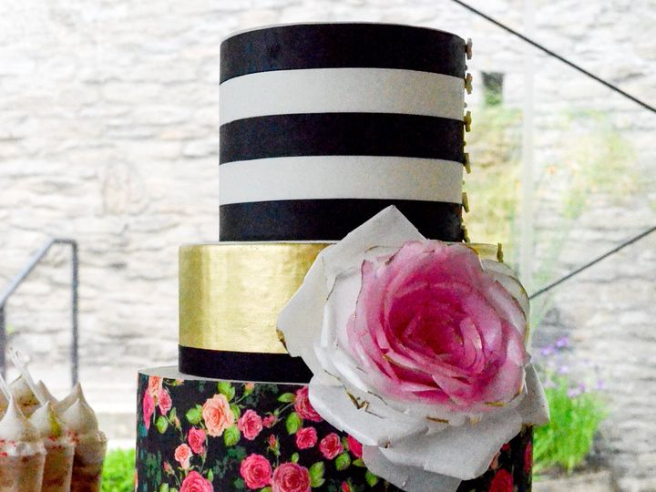 Tmx Sugarrealm Weddingdesserttable Sugarrealmcincinnati 30 51 404293 1562162131 Haverford, PA wedding cake