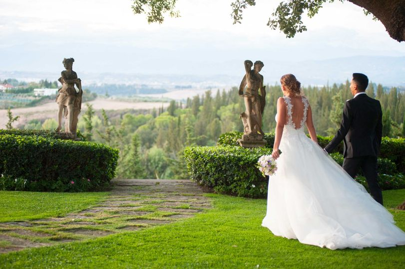 Bride & Groom in Tuscany