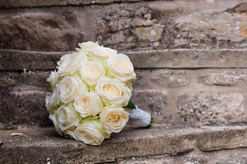 5d5429ae5dd3d88c 1432682517660 photodune 2909805 wedding flower arrangement m
