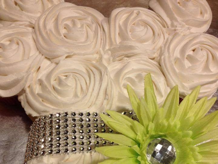 Tmx 1443054885102 Bridal Shower Cupcakecake2 Arlington wedding cake