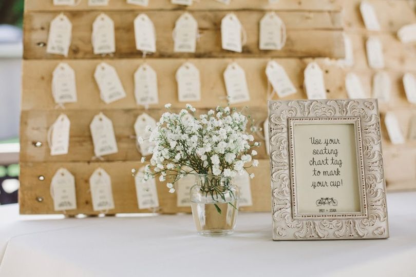 Burlap and Ivory wedding