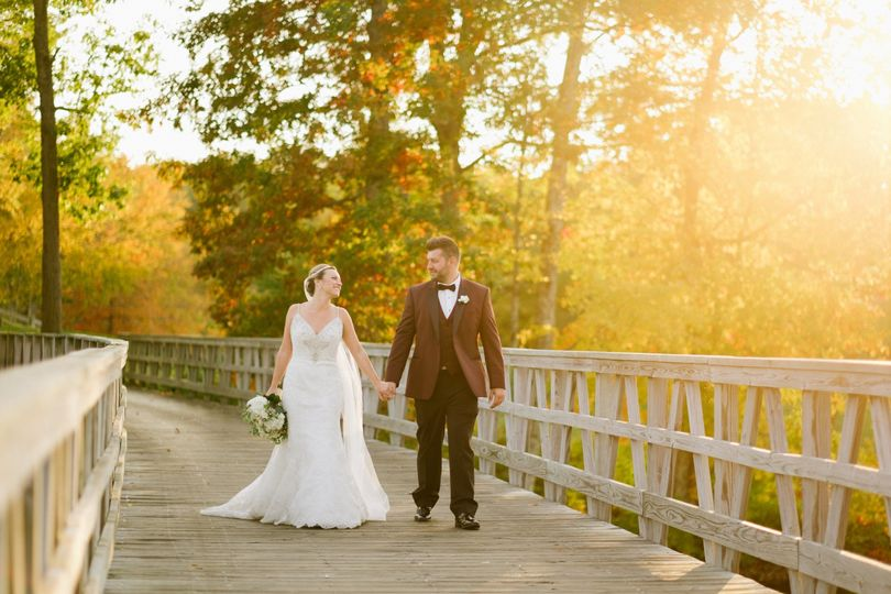 Lake of isles venue north stonington ct weddingwire for Wedding venues open late