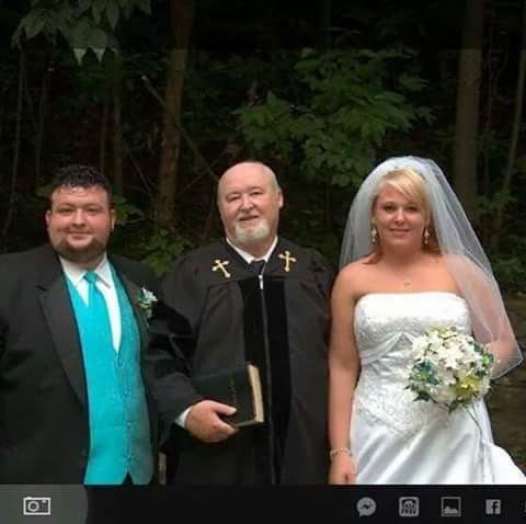 THE GATLINBURG, PIGEON FORGE WEDDING MINISTER