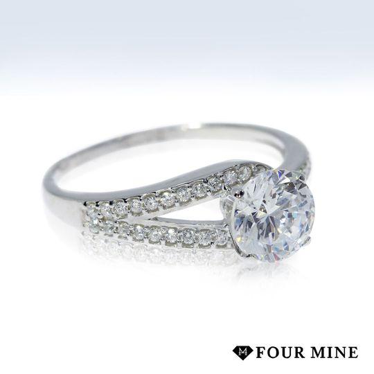 Lasso Pave Diamond Ring