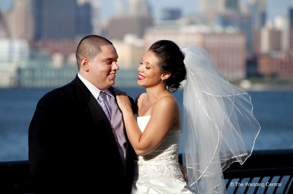 NYC Skyline bride and groom - Urban bride and groom photo