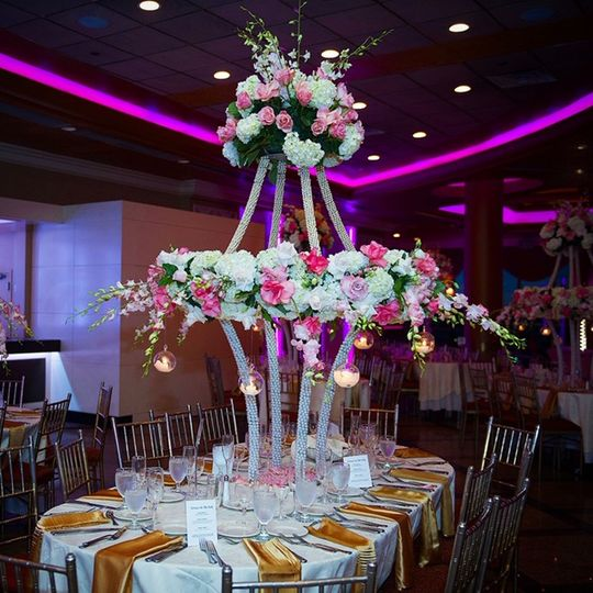 Extra large centerpiece