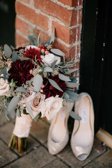 Bouquet and heels