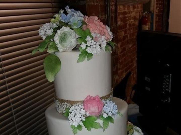 Tmx 1415126208012 15464258706720829433603941474376797979224n Reading wedding cake