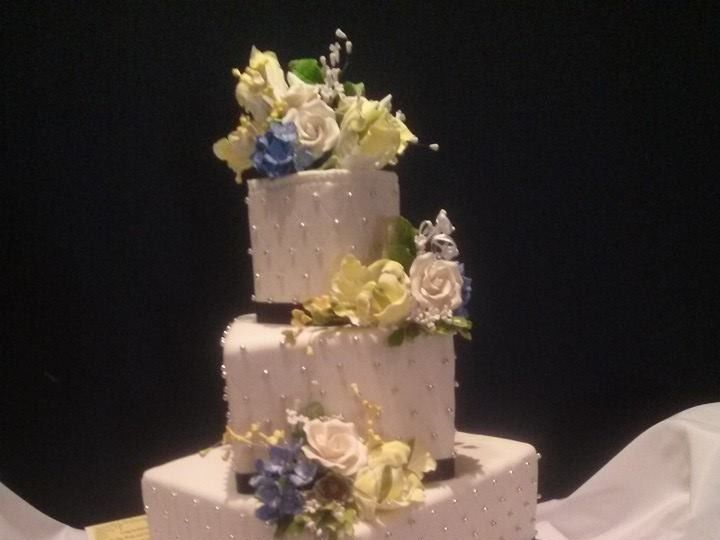 Tmx 1415126212287 10171125763269327016970443207085n Reading wedding cake