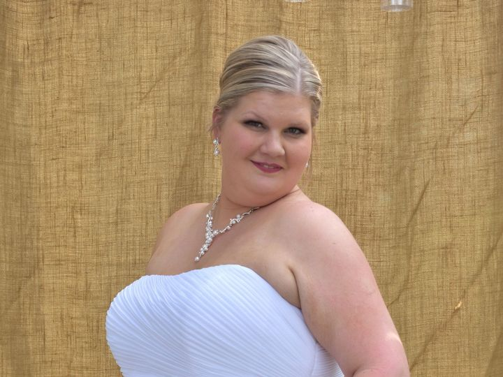Tmx 1506906434130 Dcs0172exposure Cedar Rapids, IA wedding photography