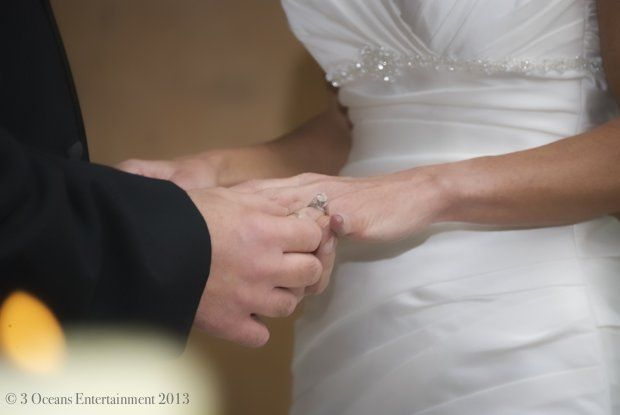 800x800 1363071232460 weddingceremonyring
