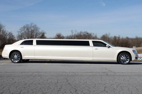 8 passenger chrysler 300