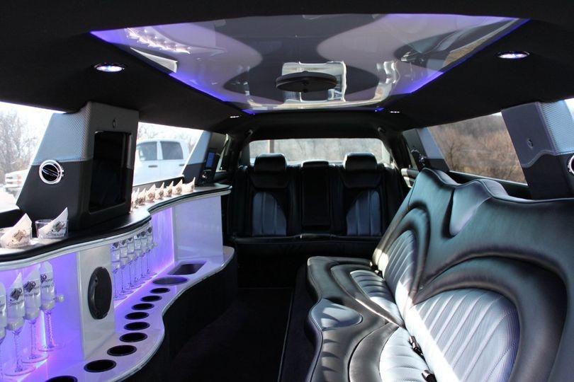 8 passenger chrysler 300 interior