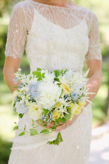 grace kim floral event design flowers providence ri weddingwire. Black Bedroom Furniture Sets. Home Design Ideas