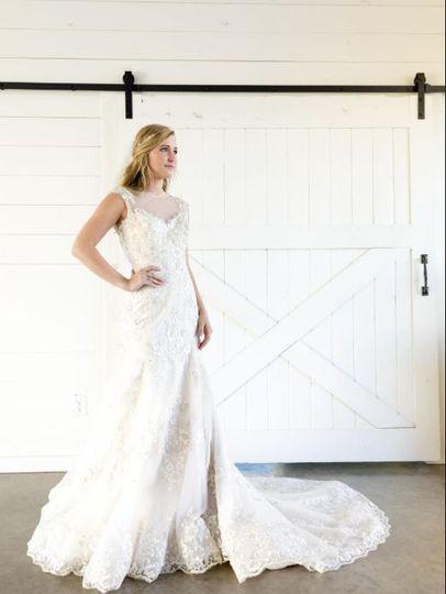Rustic barn wedding bridal portraits