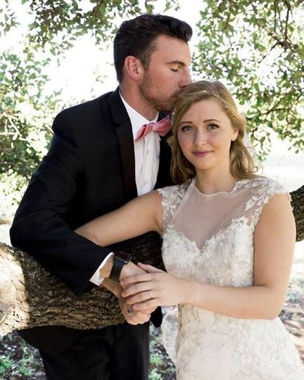 Live oak tree wedding couple portraits
