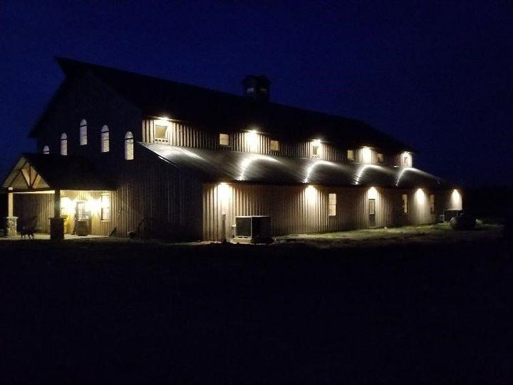 Tmx Barn At Night 51 1124593 157929118715165 Sperry, IA wedding venue