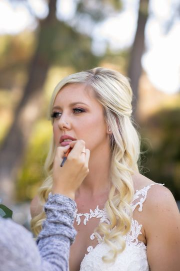 Wedding day touch ups