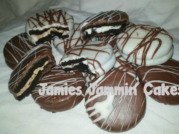 Tmx 1428373122705 Oreos2 York wedding cake