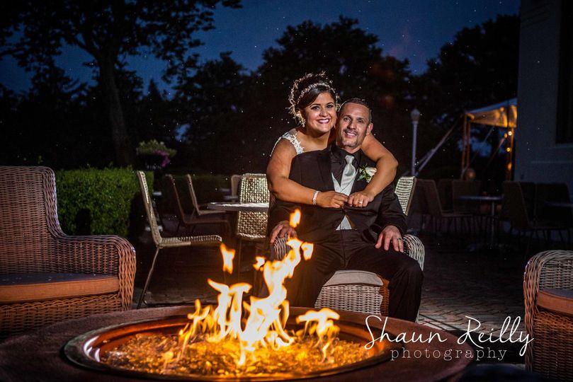 35077595c4352bf9 1538499356 69e2dadf33f3f9b4 1538499361025 20 firepit wedding