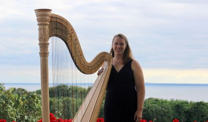 Liann Cline, harpist