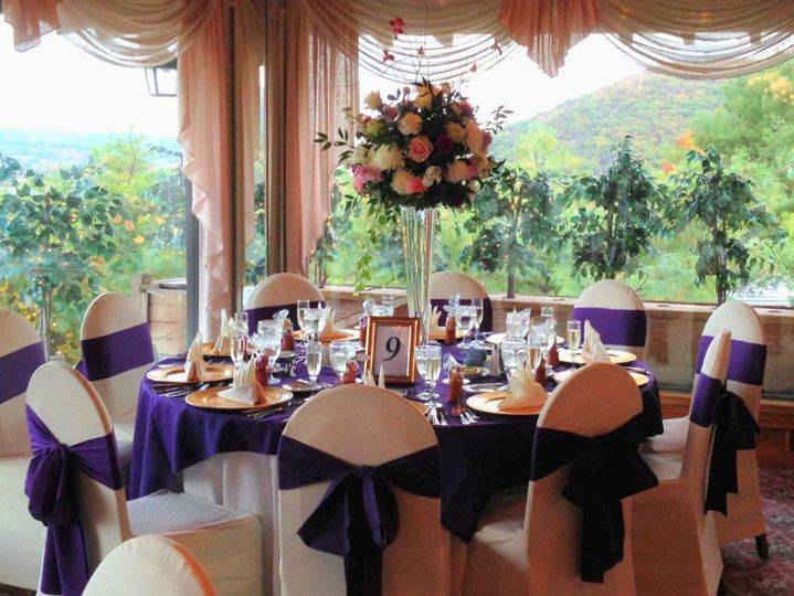 Reception table and raised centerpiece