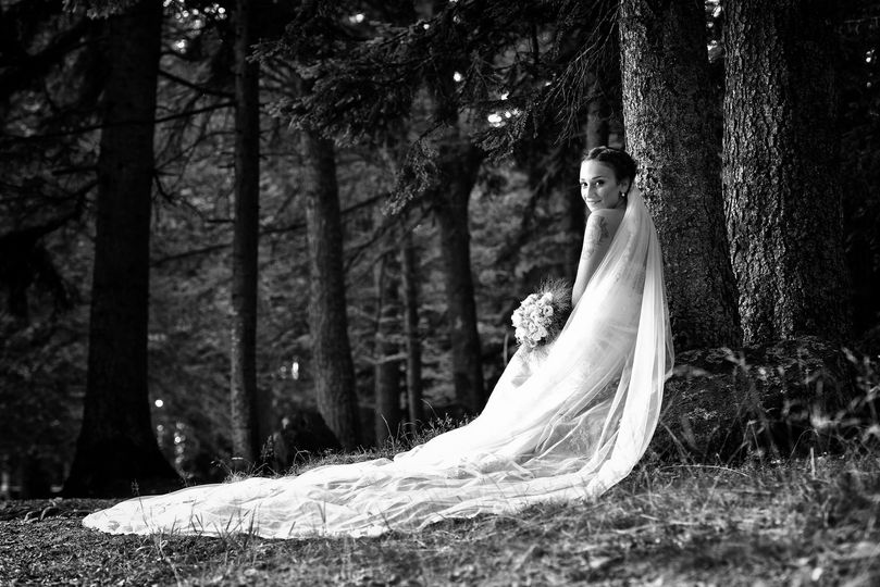 Bride in the wood