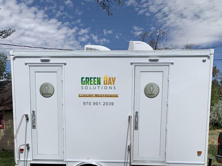 Tmx Green Day Bathroom 6 51 1895693 157430465771171 Montrose, CO wedding rental