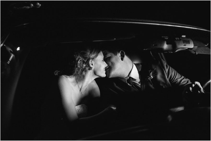 destination intimate elopement wedding photographe