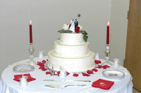 This is the beautiful cake table from the Movita Pasley and Lawrence O'Neal wedding on July 28,...