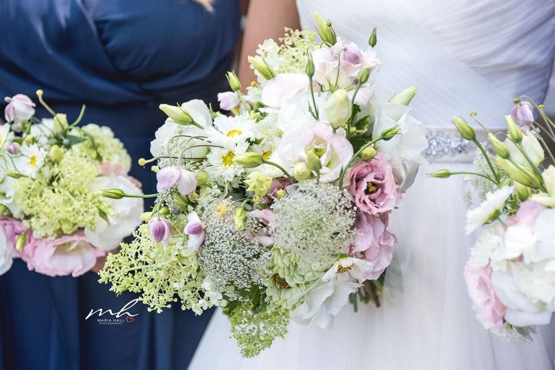 Romantic bridal bouquet with early summer flowersphoto by maria hall photography