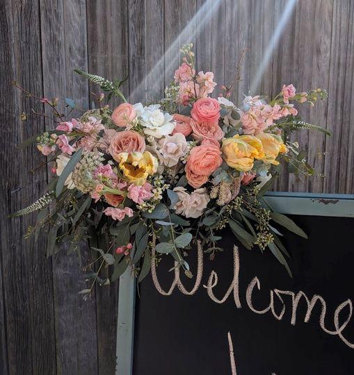 Peachy, Spring bridal bouquet