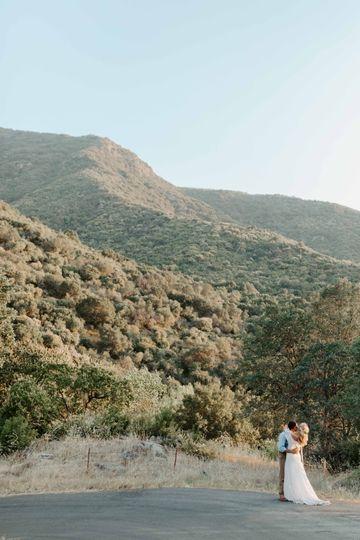 Sequoias wedding photo