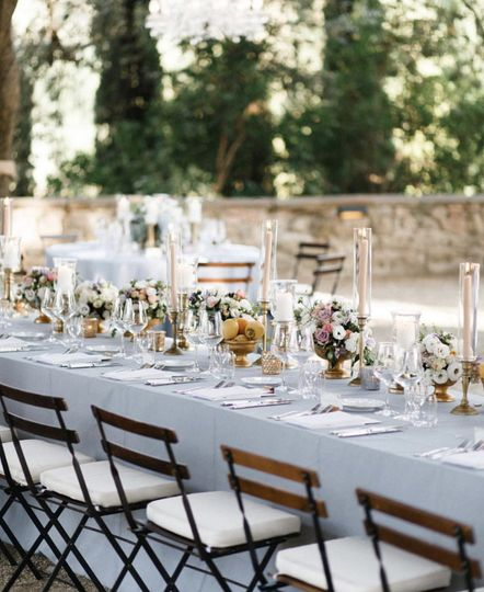 Soft outdoor wedding