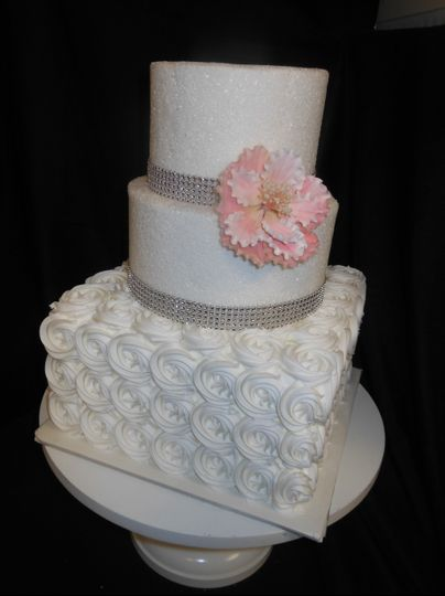 Rosettes and sugar tiers