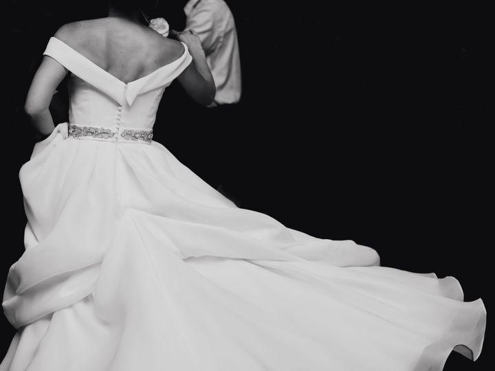 Tmx 1532042273 A4ba3cb0eaebcb13 1532042270 18f3f213ef8c1458 1532042243090 22 A E Barnsley Gard Chicago, IL wedding photography