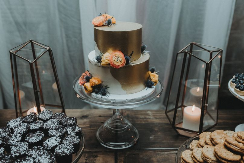 Gold Coral and Peach Wedding CakePhoto by Amanda Marie Photography
