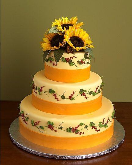 graul 39 s market wedding cake baltimore md weddingwire. Black Bedroom Furniture Sets. Home Design Ideas