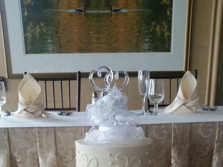 Tmx 1476132680429 Sparr Wedding In Chesapeake City Towson, Maryland wedding cake