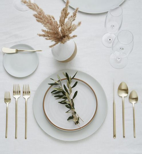 Soft, neutral place setting