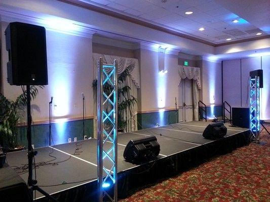 truss speaker set up in hotel 1