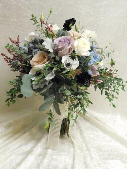 Romantic rose centerpiece