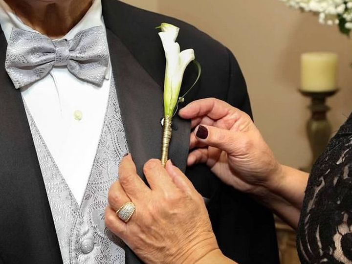 Tmx 1516385895 8d007aa9a70347ce 1516385894 Bd29599a8170c4dc 1516385892058 1 Image30 Winter Park, Florida wedding florist