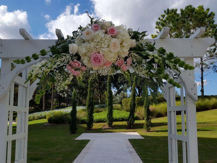 Tmx 1516386130 F1439e9536bff87b 1516386127 Cf77be868896ec84 1516386115762 8 20161009 161144 Winter Park, Florida wedding florist